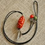 New Vintage Leaf Pendant Necklace Irregular Oval Bead Charm