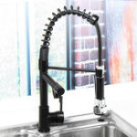 New Oil Rubbed Bronze Kitchen Sink Faucet Single Handle Pull Down Sprayer Mixer Tap