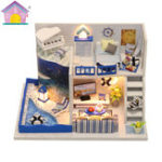New Hoomeda M040 DIY Doll House Box The Sound of The Sea Miniature Furniture Kids Gift Collection 18cm
