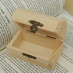 New Retro Wooden Jewelry Storage Box Pearl Necklace Bracelet Desktop Organizer Case Holiday Gift