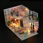 New Hoomeda M035 DIY Doll House Anna's Pink Melody With Cover Music Movement 28cm Gift Decor Toys