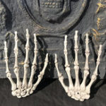New Skeleton Skull Claw Hand Bone Mischievous Halloween Carnival Accessory Decorations