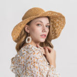 New Woman Solid Color Large Edge Cap Travel Shade Straw Hat