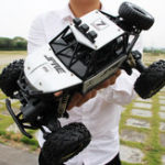 New 28*18*16cm Oversize 4WD RC Monster Truck Off-Road Vehicle 2.4G Remote High-Speed Climbing Car Rc Car