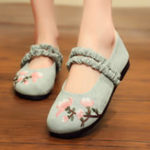 New Women Folkways Flowers Embroidery Round Toe Flats