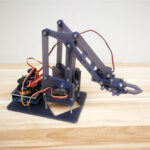 New              Desktop Robotic Arm Acrylic Manipulator UNO Robot Electronic DIY Kit