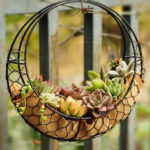 New              Hanging Flower Pot Iron Wall Succulent Planters Rustic Plant Holder Home Decorations