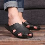 New              Men Casual Home Indoor Slip On Leather Slippers