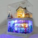 New              DIY Hawaii Villa Wooden Miniature LED Dollhouse Kit Creative Birthday Christmas Gift