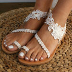 New              Women Bohemia Toe Ring Slip On Casual Summer Flat Sandals