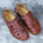 New              Men Hand Stricing Casual Non Slip Hook Loop Leatner Sandals