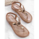 New              Women Fashion Metal Buckle Soft Beach Clip Toe Sandals