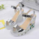 New              Women Flower Printing Wedges Buckle Ankle Strap Sandals