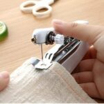 New              Portable Manual Sewing Machine Home Pocket Mini Tailor Stitch Needlework Thread