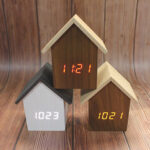New              Korean F001 Version of the Log Cabin Clock Q Version of the House-shaped Electronic Clock
