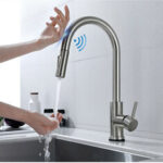 New              Brushed Nickel Stainless Steel Kitchen Sink Faucets Mixer 360 ° Rotation Smart Touch Sensor Pull Out Hot Cold Water Mixer Tap Crane