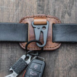 New              Men Genuine Leather Easy Carry Key Case Bag Keypster