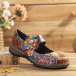 New              SOCOFY Retro Embossed Flower Splicing Floral Genuine Leather Flat Shoes