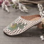 New              SOCOFY Retro Leather Floral Applique Cutouts Soft Flat Mules Clogs Slip-on Sandals