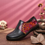 New              SOCOFY Retro Splicing Flower Pattern Comfy Genuine Leather Side Zipper Casual Flat Shoes